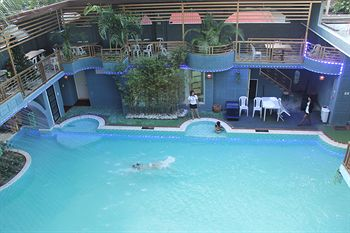 Hotel california angeles city pampanga philippines information for Hotels in kilkenny city with swimming pool